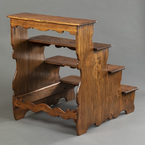 Antiquités - Italian library step ladder in poplar - Second half of the 17th century