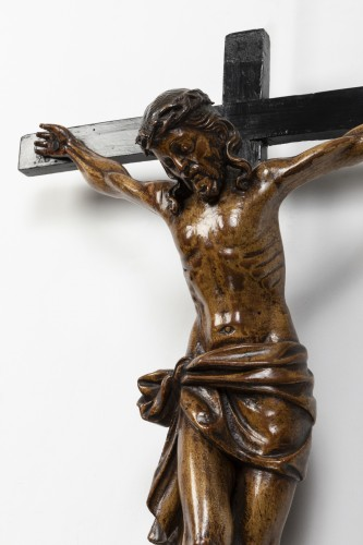 Crucifix made of walnut and poplar wood - Southern Italy - early 17th centu - Religious Antiques Style