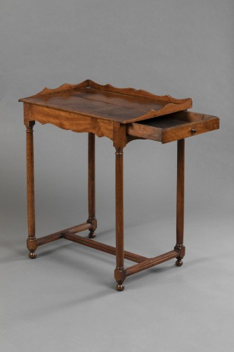 "Walnut ""Chartreux"" table - France - Circa 1600 - Furniture Style"