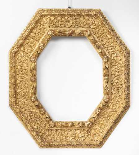Octagonal gilded wooden frame - Piedmont - Last quarter of the 16th century -