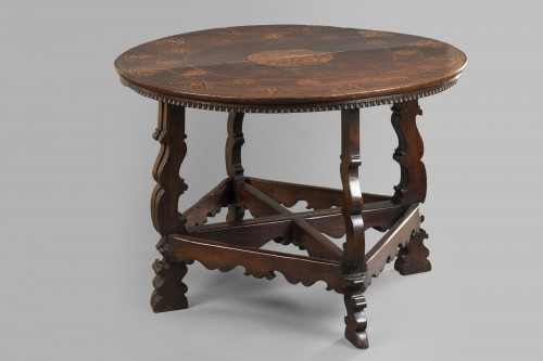 Furniture  - Table with the Torriani family's coat of arms - Lombardy - 17th century