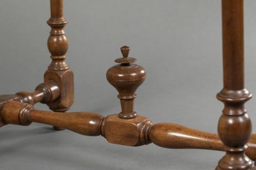 Furniture  - Small Burgundian table in walnut - Louis XIII