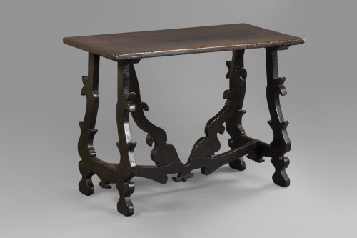 Walnut table - Lombardy-  Late 16th century - Furniture Style