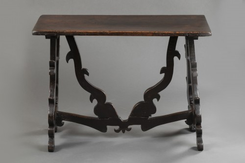 Furniture  - Walnut table - Lombardy-  Late 16th century
