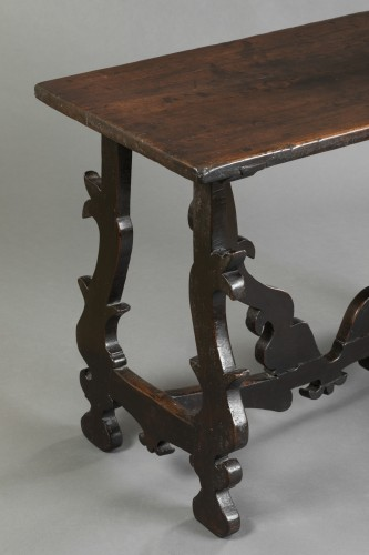 <= 16th century - Walnut table - Lombardy-  Late 16th century