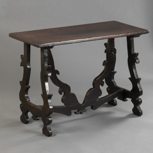 - Walnut table - Lombardy-  Late 16th century