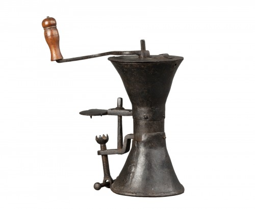 Wrought iron coffee grinder - France - Louis XIV