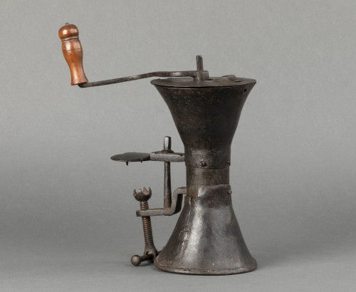 Wrought iron coffee grinder - France - Louis XIV -