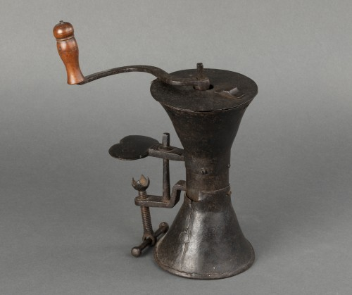 17th century - Wrought iron coffee grinder - France - Louis XIV
