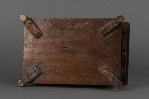 Walnut box set - Italy - 17th century   -