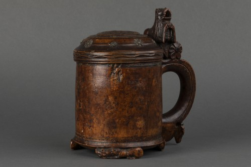 Curiosities  - Mug in birch burr - Scandinavia - End of the 17th century