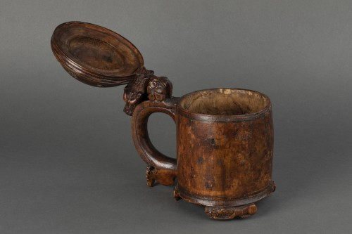 - Mug in birch burr - Scandinavia - End of the 17th century