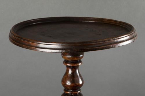 Louis XIII walnut wood pedestal table - France   - Furniture Style