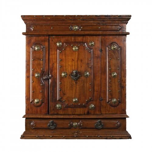 Bolognese walnut wardrobe - late 16th century