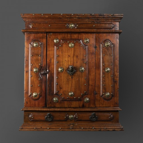 Furniture  - Bolognese walnut wardrobe - late 16th century