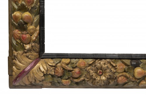 Decorative Objects  - Frame with fruit decoration - Northern Italy - 17th century