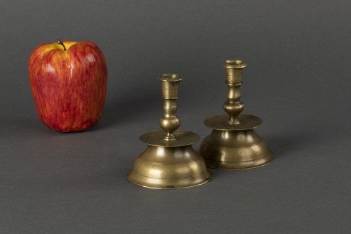 Lighting  - Pair of small candlesticks - Flanders - 17th century