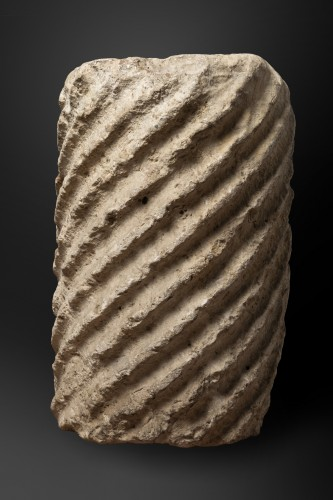 Architectural & Garden  - Fragment of a fluted marble torso column - Roman Empire - 5th century AD