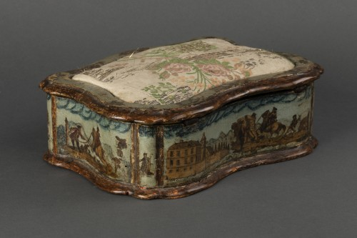Objects of Vertu  - Sewing box made of wood and arte povera - Veneto - Early 18th century