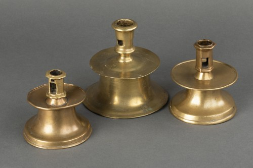Set of 3 Gothic bell candle holders - Spain - first half of the 16th  - Middle age