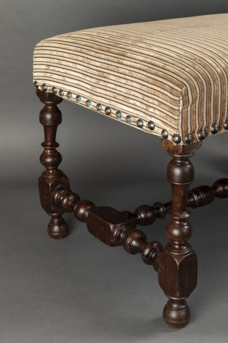 Seating  - Walnut bench - France - Louis XIII
