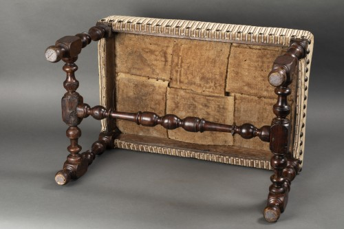 17th century - Walnut bench - France - Louis XIII