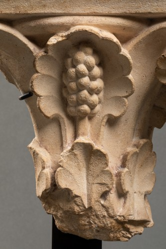 Sculpture  - Vegetable-decorated capital - France - 14th century
