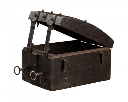 Messenger box - France - 16th century