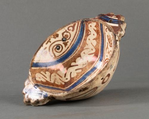 <= 16th century - Hispano-Moorish Escudilla - Manises - 16th century