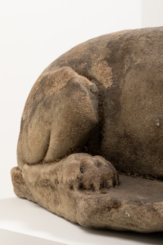 Sculpture  - Figure of a dog - Italy - 16th century
