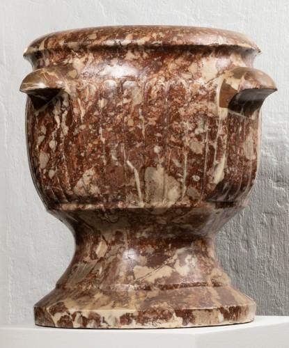Pair of Sicilian diaspre vases - Italy - 17th century -