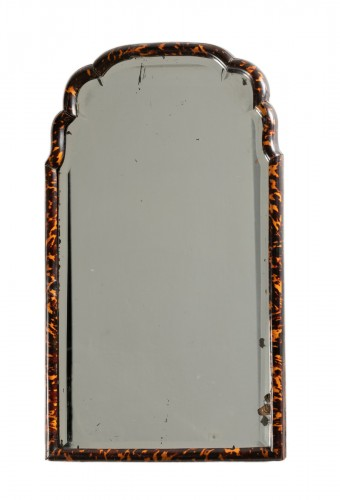 Mirror in blond tortoise shells - England - early 18th century