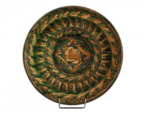 Dish with lion decoration - Castelfiorentino 16th century
