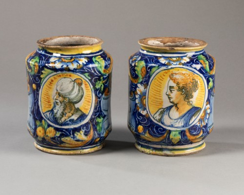 Porcelain & Faience  - Two albarelli with the coat of arms of the Tiepolo family - Venice - 1560-1