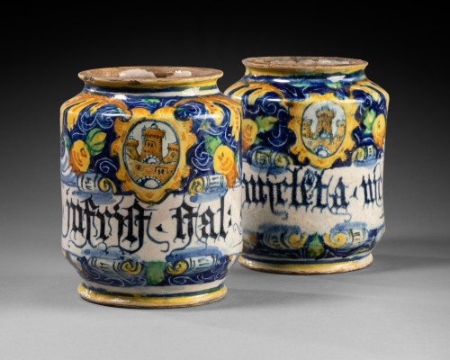 <= 16th century - Two albarelli with the coat of arms of the Tiepolo family - Venice - 1560-1