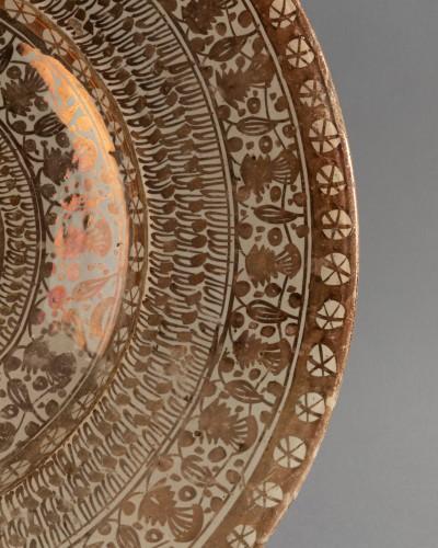 Hispano-Moorish dish - Manises Circa 1500 - Porcelain & Faience Style