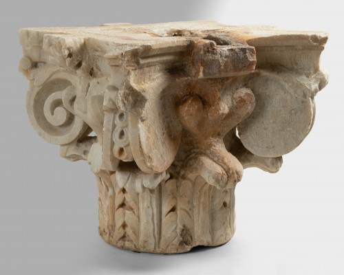 Sculpture  - Capital of composite order - Italy 16th century
