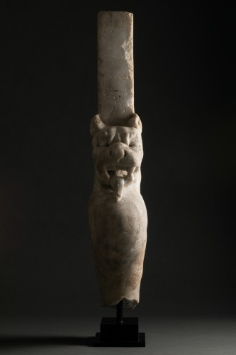 Trapezophore carved with a Panther - Roman empire - II-IIIth century A.D - Ancient Art Style