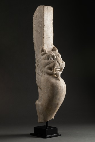 Trapezophore carved with a Panther - Roman empire - II-IIIth century A.D -