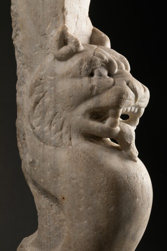 - Trapezophore carved with a Panther - Roman empire - II-IIIth century A.D