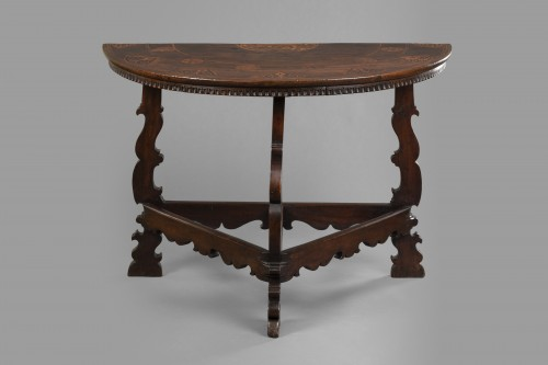 Table with the Torriani family's coat of arms - Lombardy - 17th century - Furniture Style Louis XIII