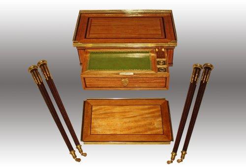 A Louis XVI table à ecrire - Furniture Style Louis XVI