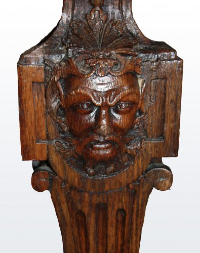 "A Louis XIV oak-wood console table ""aux mascarons"" - Furniture Style Louis XIV"