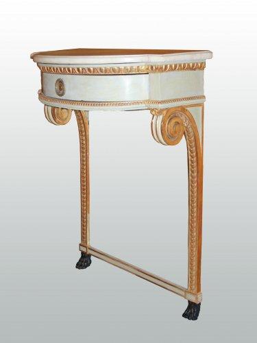 Furniture  - A pair of Louis XVI consoles