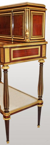 """A Louis XVI """"à encadrements"""" bonheur-du-jour by Adam Weisweiler - Furniture Style Louis XVI"""