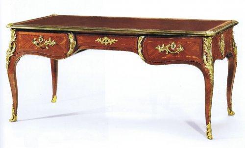 A fine Louis XV Bureau plat by Migeon