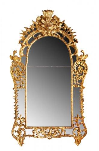 Regence giltwood Mirror 'aux Dragons ailés'