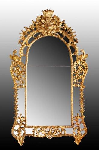 Antiquités - Regence giltwood Mirror 'aux Dragons ailés'