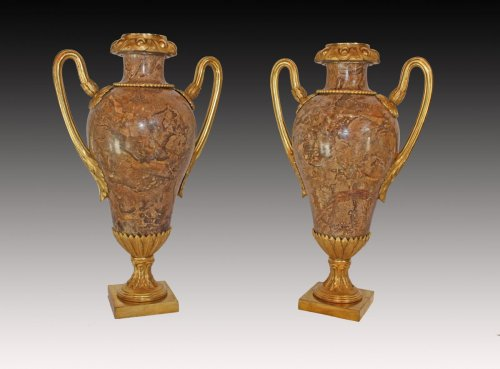 Fine Pair of Louis XVI Vases - Decorative Objects Style Louis XVI