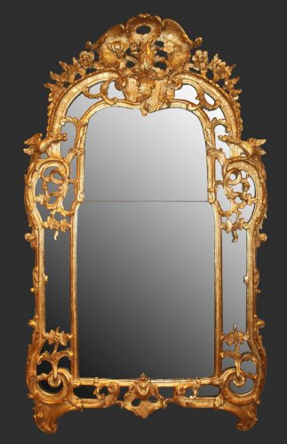 A Regence giltwood Mirror 'aux Dragons' - Mirrors, Trumeau Style French Regence